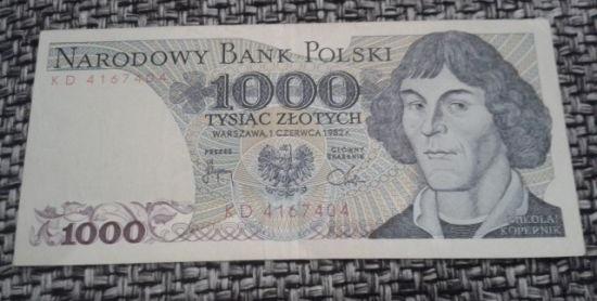 banknot z mikołajem kopernikiem