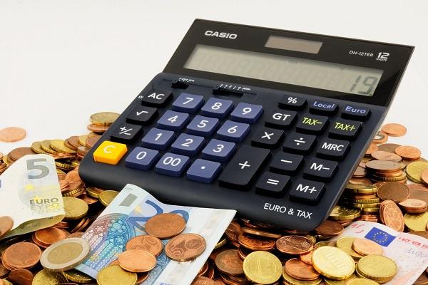 kalkulator i banknoty