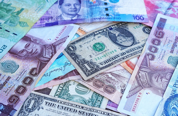 kolorowe banknoty